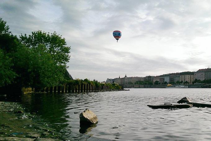 Balón UNICEF nad Prahou