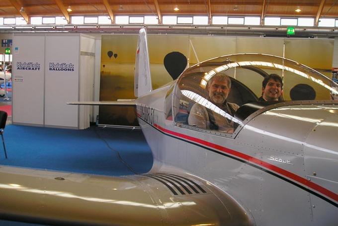 Kubíček Aircraft uvádí: M-2 Scout