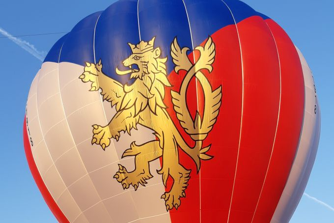 Balón ke 100. narozeninám republiky